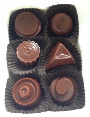 ayni-paleo-chocolate-mixed-box-creams
